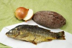 鱼、面包和葱 免版税库存照片