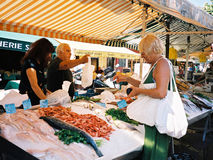 鱼好法国的marcet 图库摄影