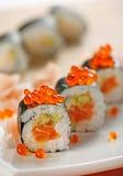 鱼子酱三文鱼寿司 图库摄影