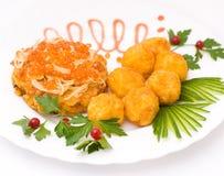 鱼子酱剁红鲑鱼 库存图片