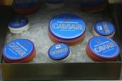 鱼子酱品种在显示的在著名拉斯&女儿咖啡馆在更低的曼哈顿 库存图片