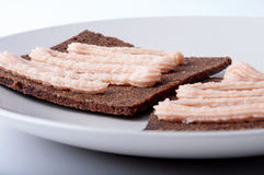 鱼子酱奶油色三明治 免版税库存图片