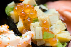 鱼子酱寿司 库存图片
