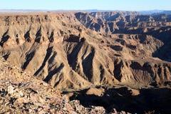 鱼河峡谷-在世界的第二大峡谷的引起轰动的看法-纳米比亚非洲 库存图片