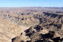 鱼河峡谷-在世界的第二大峡谷的引起轰动的看法-纳米比亚非洲 免版税图库摄影