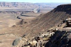 鱼河峡谷-在世界的第二大峡谷的引起轰动的看法-纳米比亚非洲 库存照片