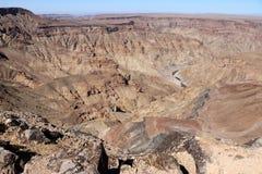 鱼河峡谷-在世界的第二大峡谷的引起轰动的看法-纳米比亚非洲 免版税库存图片