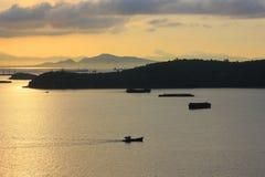 鱼的渔夫事假早晨 图库摄影