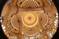 鱼眼睛蓝色清真寺天花板,伊斯坦布尔,土耳其 库存图片