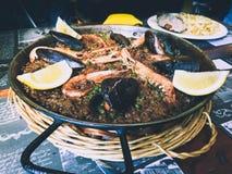 鱼肉菜饭 典型的西班牙食物 免版税图库摄影