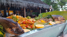 鱼食物荷兰芹牌照烤海运 库存图片