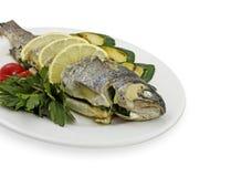 鱼鲜美蔬菜 库存图片