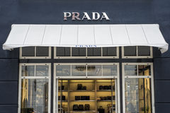 鲁尔蒙德荷兰07 05 2017年布拉达奢侈品商店的商标在Mc亚瑟幽谷设计师出口商店地区 库存照片