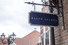 鲁尔蒙德,荷兰07 05 2017年拉尔夫・洛朗商店Mc亚瑟幽谷设计师出口商店地区的商标标志 免版税库存图片