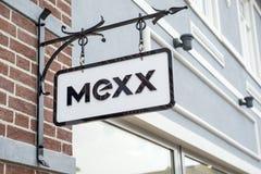 鲁尔蒙德,荷兰07 05 2017年MEXX衣裳的商标标志存放Mc亚瑟幽谷设计师出口商店地区 库存图片