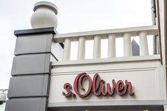 鲁尔蒙德,荷兰07 05 2017年S商标  奥利佛史东商店在Mc亚瑟幽谷设计师出口商店地区 免版税库存照片