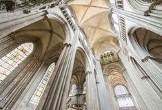 鲁昂,法国- 2014年6月14日:鲁昂大教堂(Notr内部  免版税库存图片