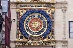 鲁昂-有历史的时钟 库存图片