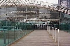 鲁汶,比利时- 2014年9月04日:鲁汶火车站的现代大厦 库存图片