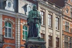 鲁汶,比利时- 2014年9月05日:Justus Lipsiusstraat st的Lipsius的雕象1547 - 1606 库存图片