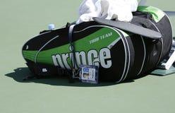 鲍勃・布赖恩网球袋子在美国公开赛期间的USTA比利・简・金国家网球中心2013年 图库摄影
