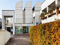 鲍豪斯建筑学派档案大厦入口在柏林 免版税库存图片