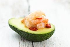 鲕梨和大虾 免版税图库摄影