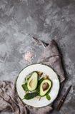 鲕梨 在表的食物 库存照片