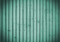 鲜绿色木墙壁 免版税库存图片