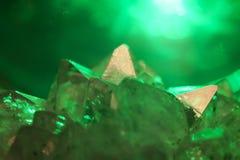 鲜绿色水晶 库存图片
