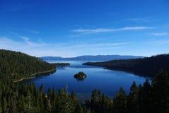 鲜绿色海湾, Tahoe湖,加利福尼亚 库存照片