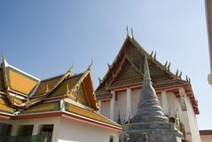 鲜绿色菩萨曼谷玉佛寺,曼谷的佛教寺庙 免版税库存图片