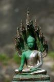 鲜绿色buddah -浅重点雕象  库存图片