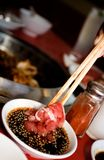 鲜美东方的调味汁 库存照片
