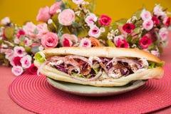 鲜美五颜六色的三明治用法国小圆面包 图库摄影