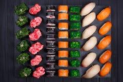鲜美可口多彩多姿的开胃nigiri寿司和卷s 库存照片