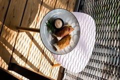 鲜美和健康食物 食物美丽的服务  从餐馆的食物 免版税库存图片