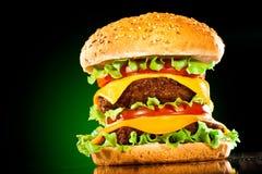 鲜美开胃黑暗地绿色的汉堡包 图库摄影