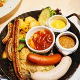 鲜美德国食物 免版税库存照片