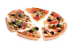 鲜美查出的橄榄的薄饼 免版税库存照片