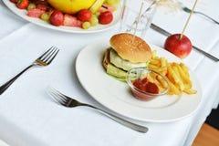 鲜美汉堡包 免版税库存图片