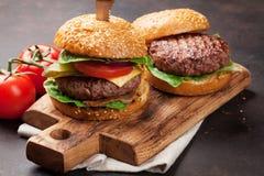 鲜美烤家庭做的汉堡 免版税图库摄影