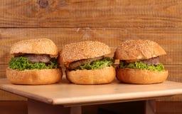 鲜美的汉堡 免版税图库摄影