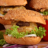 鲜美的汉堡 免版税库存图片