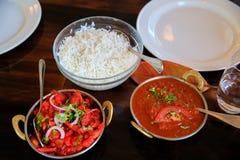 鲜美蒸的米用西红柿酱在咖啡馆, Timaru,新西兰服务 免版税库存图片