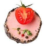 鲜美鸭子头脑开胃菜用新鲜的草本 免版税库存照片