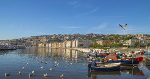鲜鱼老传统市场在海滩的在那不勒斯 库存图片