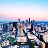 鲜绿色城市 免版税图库摄影