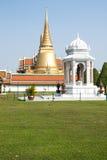 鲜绿色寺庙是地标曼谷省(泰国) 免版税库存照片