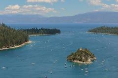 鲜绿色海湾, Tahoe湖,加利福尼亚 免版税库存图片